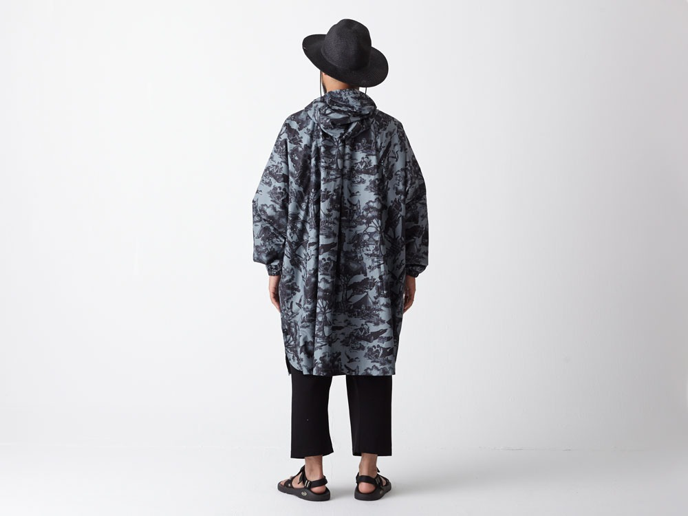 Printed Poncho:Camp Field 2 White2