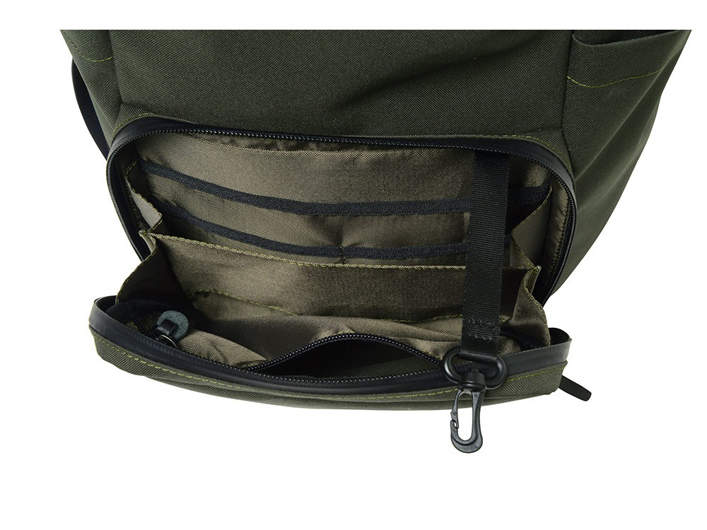Travel back pack Olive2